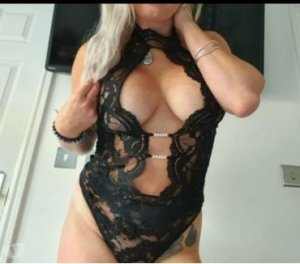 Mahely latina hookup in Newton Aycliffe, UK