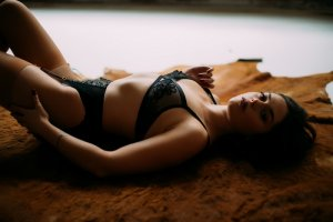 Oya amateur outcall escort in Hendersonville